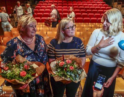 Her er Olaug Nilssen på et      arrangement i regi av Riksteateret i Oslo i august sammen med statsminister Erna Solberg og kronprinsesse Mette-Marit.