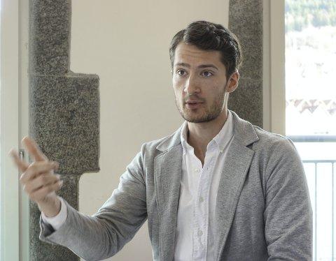 Oscar Gerritsen søkte jobber i nesten et år uten å få napp. Så endret han strategi.