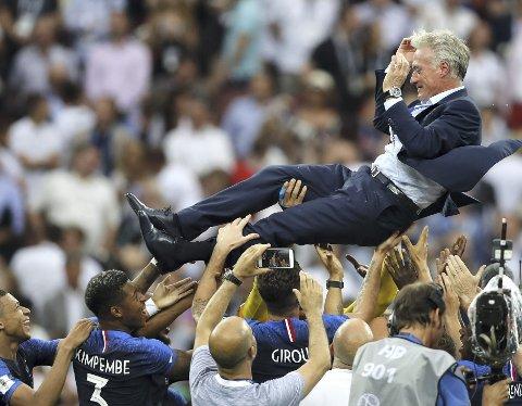 Didier Deschamps trenerstil har ikke alltid vært like populær hos det franske folk, men når man henter hjem VM-gullet blir alt glemt.