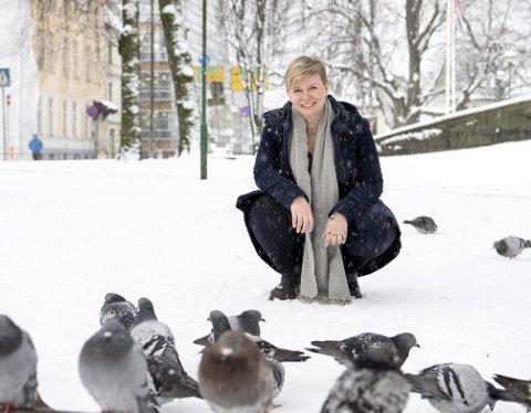 Forfatteren elsker å skrive. Å lese bøker er terapi og virkelighetsflukt. Foto: Anders Kjølen