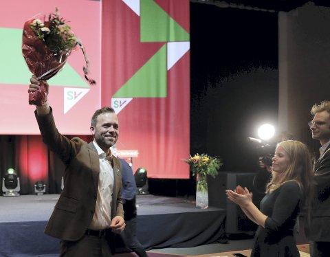 Her smiler SV-leder Audun Lysbakken fornøyd under landsmøtet til SV på Gardermoen i helgen. Hans parti er mer populært blant innbyggerne i Bergen sentrum enn ellers i hjembyen hans.