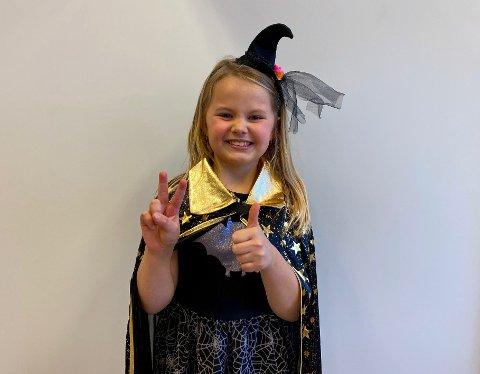 - Jeg ville kle meg ut som en heks på Halloween fordi jeg liker hekser. De kan trylle, og mange av heksene i Harry Potter er snille, sier Ada Marie S.Darre 7 år.