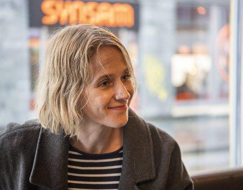 Boken til Sandra Lillebø har fått mye oppmerksomhet. Responsen fra leserne om at de føler seg sett, og ikke alene lenger, gjør forfatteren rørt. Foto: Anders Kjølen
