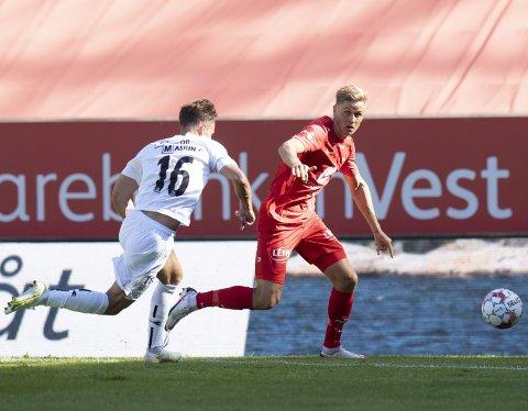 Thomas Grøgaard har overbevist Brann om at han tilhører fremtiden i klubben, men han har ikke klart til å spille seg til en fast plass på laget. I treningskampen mot Øygarden fikk han bare et innhopp på 30 minutter.