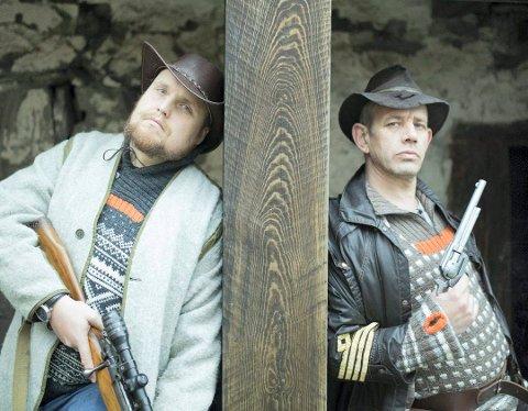 Stian «Staysman» Thorbjørnsen og Leif Einar «Lothepus» Lothe spiller sammen i Staysmans siste musikkvideo «Om 100 år er allting glemt ft. Lothepus».