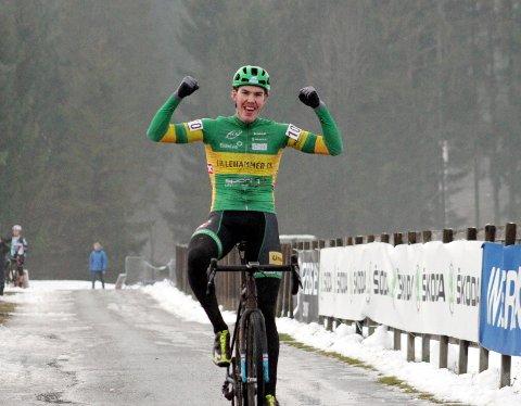 GULL: Erik Nordsæter Resell sikret seg NM-gullet i snøværet i Skien.
