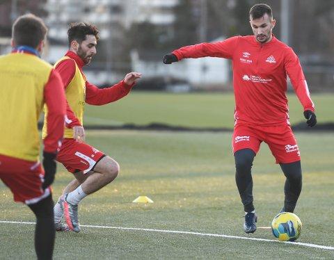 VISER SEG FRAM: Ivan Sesar har solid erfaring. Nå er den 31 år gamle midtbanespilleren aktuell for Kvik Halden.