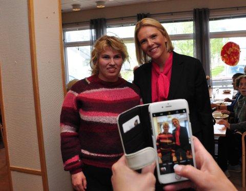 BILDET: Andrea Solli ville ha et bilde av henne sammen med Sylvi Listhaug, og fikk det.