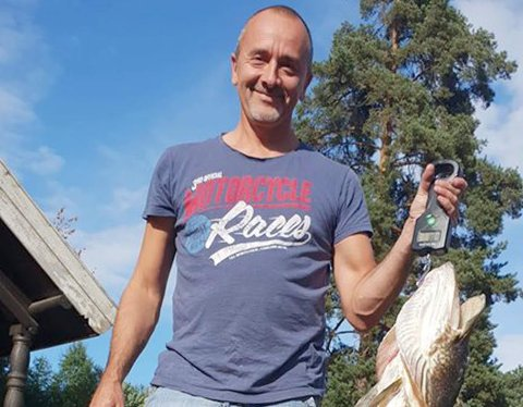 VANT: Jan Erik Rånes vant konkurransen under Lågen Gjeddefestival i fjor, med denne gjedda på 8,7 kilo.