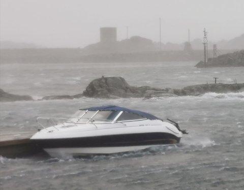 STJÅLET: Denne båten ble stjålet i Stamsund og funnet igjen i Lødingen.