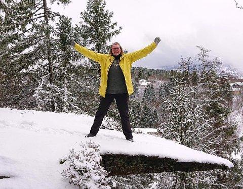 Helen Sund synes det er best å gjøre litt mer ut av turen enn bare å gå. Hun trives godt med å både lage mat og bake i naturen.