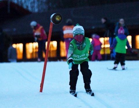 FULL FART: Karl var uredd med ski på beina.