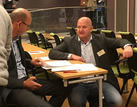 SKEPTISK: Ås-ordfører Ola Nordal og Enebakk-ordfører Øystein Slette er skeptiske til forslaget om én stor Follokommune, som fylkesmann Valgerd Svarstad Haugland la frem onsdag formiddag.