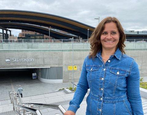 JUSTERINGER: Kommunikasjonssjef Gina Scholz i Vy forteller at de har gjort noen justeringer for å få best mulig trafikkflyt.