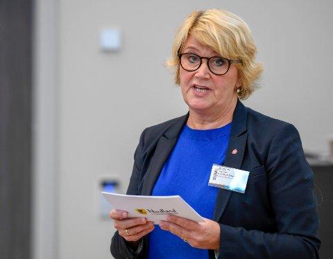 Fylkesråd for utdanning i Nordland, Hild-Marit Olsen på innspillsmøte på Campus Helgeland under kunnskaps- og integreringsminister Jan Tore Sanners turné.
