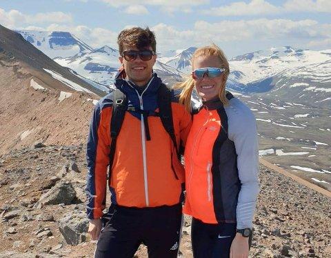 ISLAND: Alexander Groven prøvde seg som fotballproff på Island i 2019. Her med kjæresten Gina Heggheim Larsen på Sulur utenfor Akureyri.