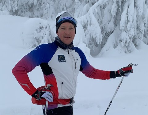 RENNLEDER: Paul Myrhaug leder Skikarusellen på Vestskauen. Dette året deltar mer enn 100 barn i rennet.