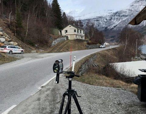 10 FEKK BØTER: Sogndal lensmannskontor heldt fartskontroll i ei 60-sone i Luster torsdag. 10 førarar køyrde for fort.