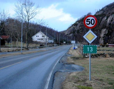 Til Forsand kan du kjøre i 60 km/t ved Forsand bedehus. Men kjører du motsatt veg, er fartsgrensen 50 km/t.
