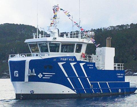 TIL ISLAND: Etter et kort stopp på Frøya, starter «Frøy Hild» overfarten til Island. Der skal båt og mannskap utføre serviceoppdrag for den framvoksende oppdrettsindustrien.