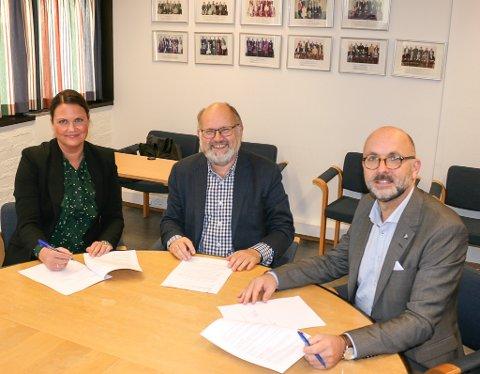 Aust-Agder fylkeskommune, Tvedestrand kommune og Skatt sør inngår en samarbeidsavtale for å forhindre svart arbeid og kriminalitet i forbindelse med oppføring av ny videregående skole og idrettsanlegg i Tvedestrand.