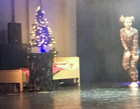 DRØMMESTØV: Tiril Ramberg danser inn i drømmene.