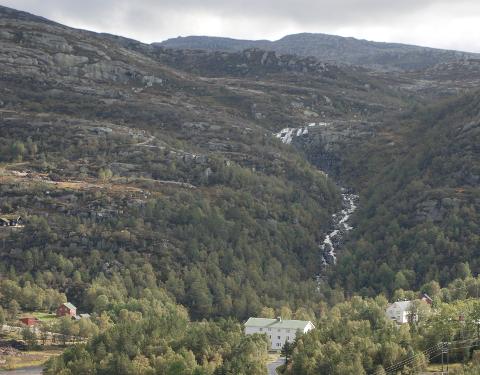 UTNYTTE FJELLVANNET: Stølen kraftverk skal utnytte fallet og vannet fra fjellområdene som leder ned mot Store Knabetjødn.
