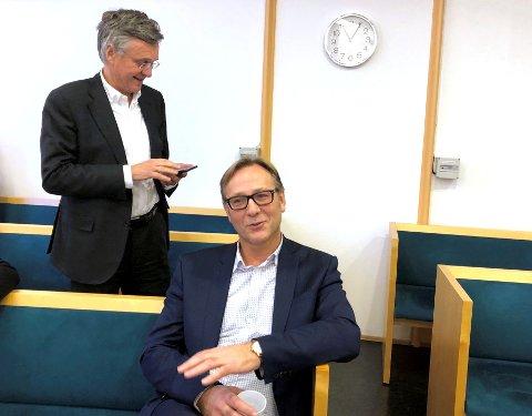 Konsernsjef Roy Wareberg (t.h.) i Atlantic Offshore og hovedaksjonær Knut Øgreid i rettssalen under fjorårets rettssak.