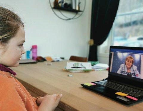 Ni år gamle Else Marie Fett fra Drammen sendte i forrige uke brev til statsminister Erna Solberg, men forventet ikke svar. Denne uka slo landets øverste sjef på tråden.