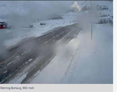 FRISKT: Hemsedalsfjellet onsdag morgon. Der er sterk vind i kasta.