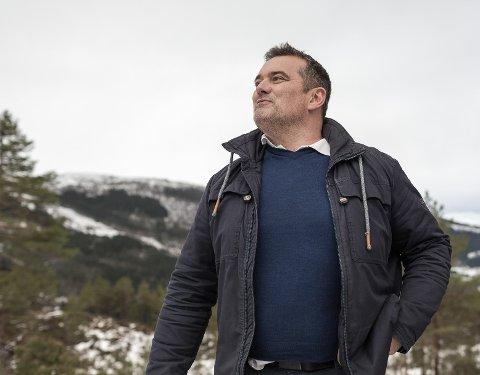 KLAR: President i Norges Vektløftarforbund Stian Grimseth er klar for å arrangere VM i Sunnfjord i 2025. No må dei berre få godkjent søknaden.