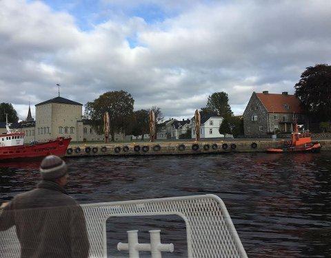 Den spanske skulptøren Jaume Plensa har nå presentert sitt verk for Fredrikstad - og hvor han ønsker at det skal stå. De tre kvinnehodene skal være ferdig 2018, og er en gave fra Sparebankstiftelsen DNBs prosjekt «Skulpturstopp». Skisse: Jaume Plensa