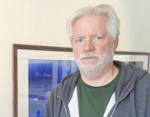 Blått: – Jeg er opptatt av blått, i bildene mine, innrømmer Stein Andersen.