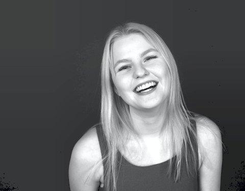 21 år: Sunniva Enger Stensen er blitt 21 år, og drømmer om å bli musikalartist. Foto: Privat