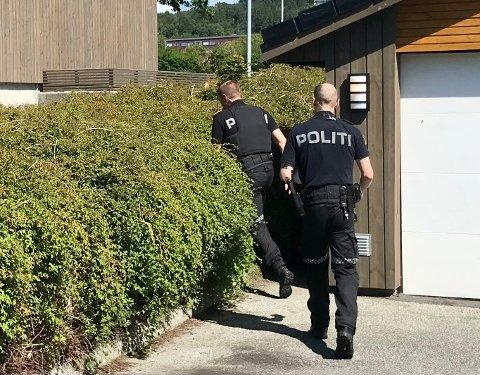 RYKKET UT: Politiet var på flere oppdrag i helgen etter melding om hissig blomsterselger.