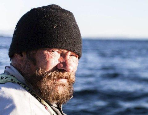 AVVENTER POLITISK ARBEID: Gjenvalgt leder i Tana og omegn sjølaksefiskerforening, Bjarne Johansen, sier at vil avvente fortsatt politisk arbeid før de eventuelt går til sak mot staten for å få tilbake tidligere fisketider. Foto: Privat