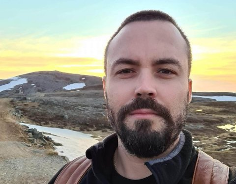 LEDER: Claudio Dos Santos er daglig leder på Vitusapotek Isbjørn i Hammerfest.