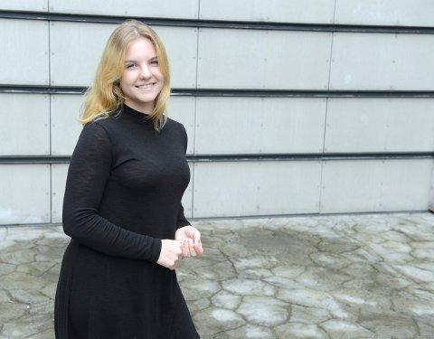 Mari Kristina Berg fra Flesberg synes det er frustrerende å søke jobber som nyutdannet barnevernspedagog uten engang å få svar.