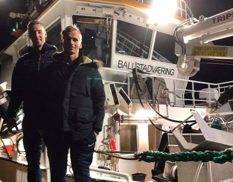 Maskinist Joacim Stefan Olsen og styrmann Victor Jacobsen er fornøyde med yrkesvalget.