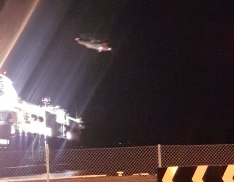 ØVELSE: To Seaking fløy over Stavern og landet på Superspeed i natt.