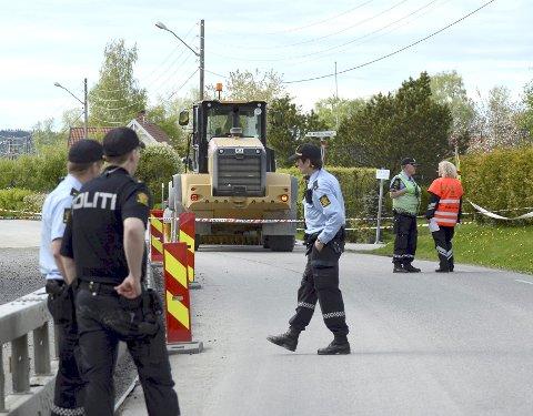 ÅSTEDET: Tiåringen ble rygget over av hjullasteren i bakgrunnen. Sjåføren er dømt for brudd på veitrafikkloven.Foto: Vidar Sandnes