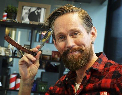 Da Thomas Ramstad utdannet seg til frisør for 20 år siden, var det ikke stor etterspørsel etter barbering, og han trodde han aldri kom til å få brukt den lærdommen. Så feil kan man ta.