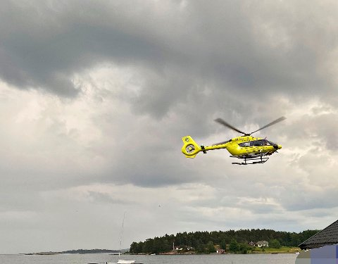 RYKKET UT: Luftambulansen rykket ut for å bistå under stupeulykken lørdag kveld.