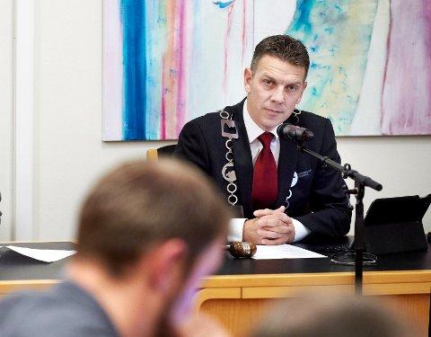 HENLAGT: Ordfører Stian Brekkvassmo i Namsskogan oppdaget selv pengene som kom inn på kontoen fra Norges jeger- og fiskerforbund, likevel ble forholdet anmeldt og etterforsket. Nå har imidlertid politiet konkludert med at Brekkvassmo ikke har gjort noe galt.