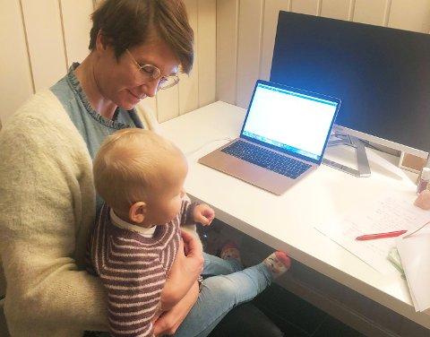 Ni dager etter at Lisen var født, i november 2019, begynte Sara Lossius å gjøre ferdig det som skulle bli en bestselgende bok. Nå er hun tilbake med podkasten Ingefær.