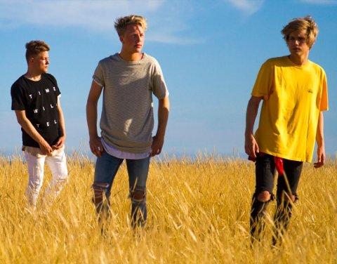 MUSIKKVIDEO: Gutane spelte inn musikkvideo til hitten «Bombadilla» i Spania i fjor vår.