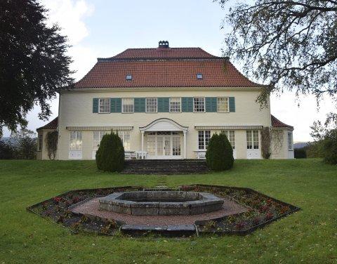 Villaen i Hopsnesvegen 120 er tidenes dyreste boligkjøp i Bergen med en prislapp på svimlende 41 millioner kroner. Kjøperen er Kyrre Gørvell-Dahll, bedre kjent som Kygo.