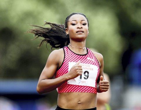 EN NY LOKAL STJERNE: Hun skarrer                     ikke på r-en, men denne sesongen representerer Norges beste kvinnelige sprinter, Ezinne Okparaebo, bergensklubben Norna-Salhus. I helgen satte hun ny norsk årsbestetid på 100 meter med tiden 11,32. Nå er hun klar for torsdagens                            Bislett Games.ARKIVFOTO: NTB scanpix