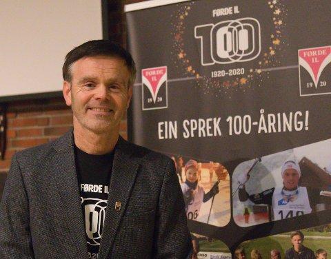 Idretten er god som brubyggar i form av at han er tidlaus og noko vi har i felleskap mellom generasjonar, skriv  styreleiar Arne Helgheim i Førde idrettslag i forordet i boka.