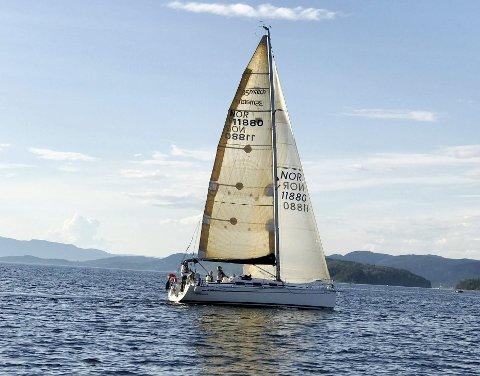 Regattaen: Båten HeltOk kom først i mål på onsdag. Foto: Graciela Sbertoli